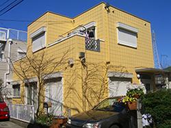 黄色のALCの家
