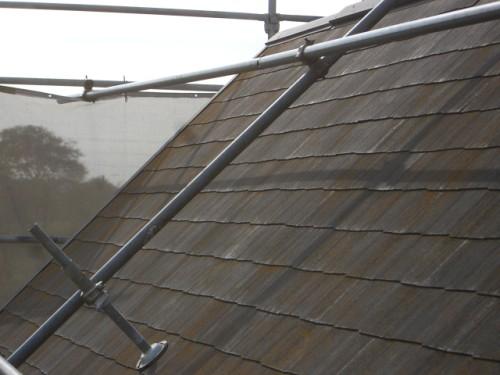 急勾配な屋根の写真
